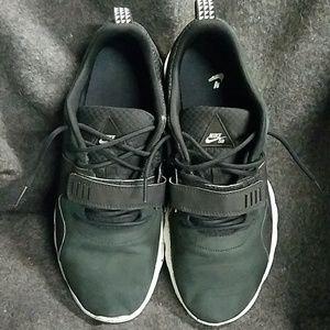 Nike Shoes - NIKE SB